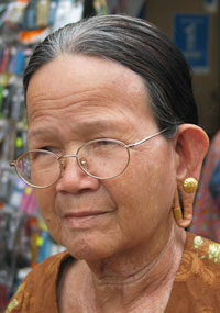 Iban Woman with Stretched Ear Piercings, Ethnic Jewelry, Tribal, Gauged, Kuching, Sarawak, Bonreo, Malaysia