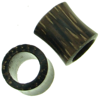 Hollow Palm Wood Saddle Plugs, 00 gauge - 1-1/4 inch